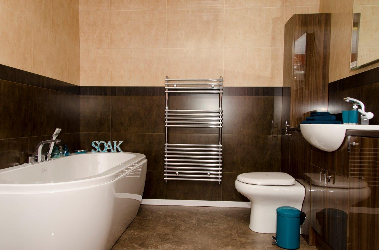 Balmoral brown decor cladding direct - Salle de bain vert et marron ...